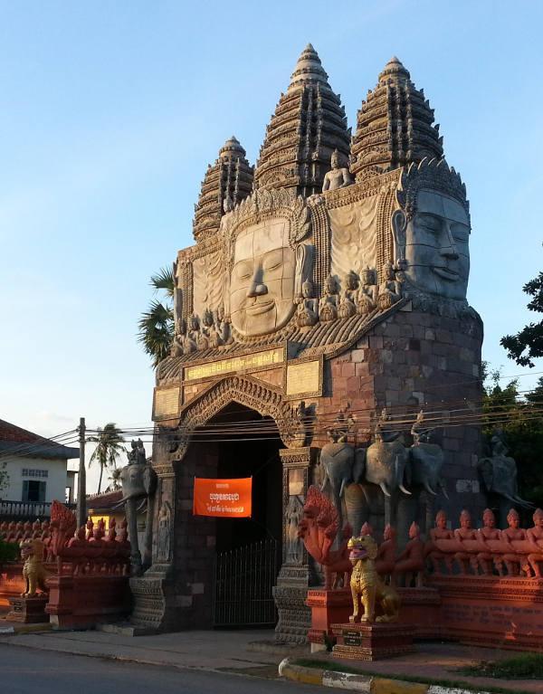 1-Temple-Gate-Khmer-Faces
